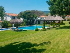 House rental in the gated community of Vista Pelicanos La Cruz, it has common access to the pool