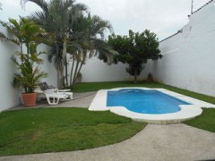 Home for rent with pool in La Cruz, Nayarit. 3 bedrooms | Fully furnished | Parking on property | Great location